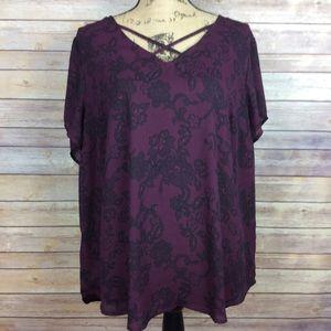 ❗SOLD❗Torrid Maroon Black Floral Lace V Neck Top